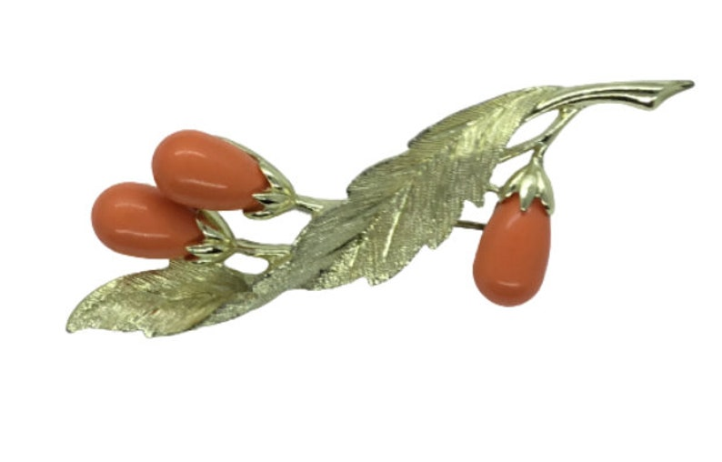 Sarah Coventry Brooch Pin Signed Coral Colored Buds Gold Tone Floral Leaf