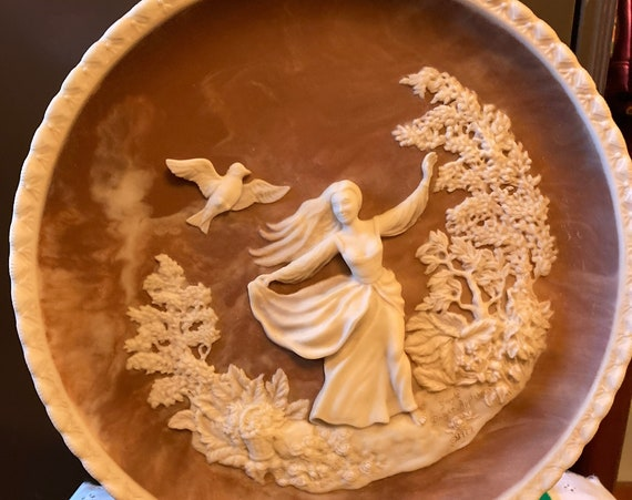 """Vintage """"To A Skylark"""" Incolay Cameo Stone   1979 Romantic Poets Collection Incolay Studio Stone Cameo Limited Edition Plate"""