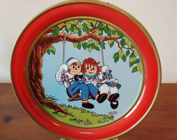1987 Raggedy Ann and Andy Cookie Tin