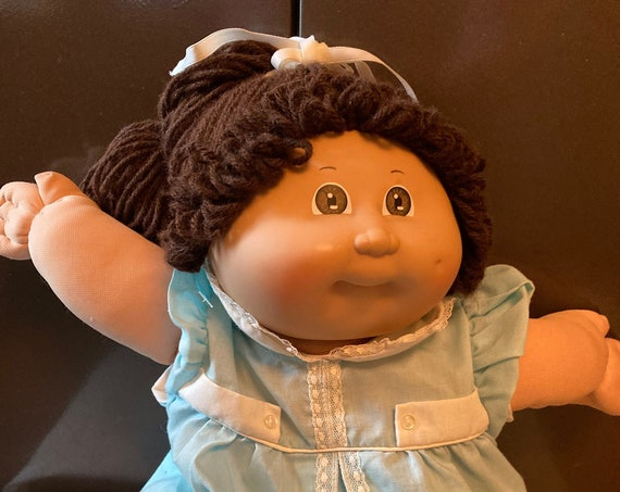 1982 Cabbage Patch Girl Doll with Brown Hair/Original Blue Dress with Shoes