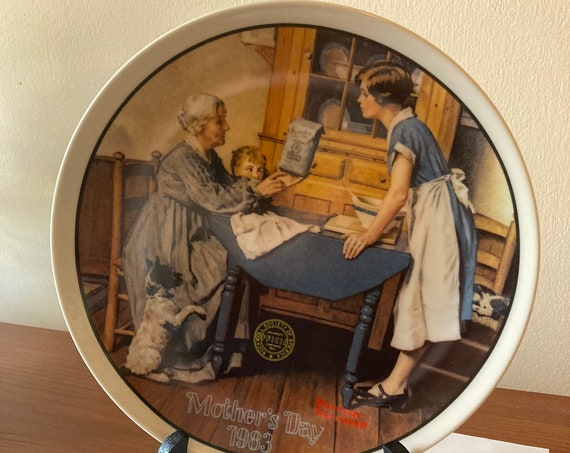 Norman Rockwell Plate Mothers Day 1983-(Stand NOT Included)