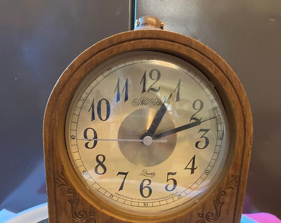 Vintage Home Interior Desk Clock - New Haven Quartz Clock