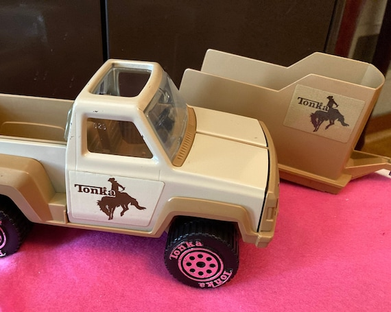 Vintage Tonka Horse Farm Pick-Up Truck with Horse Trailer - 1979 Tonka Pick-Up Truck with Attachable Horse Trailer
