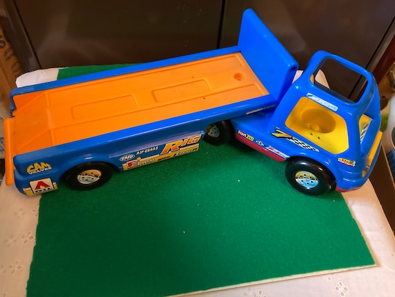 1998 Fisher Price Little People Car Hauler With Driver