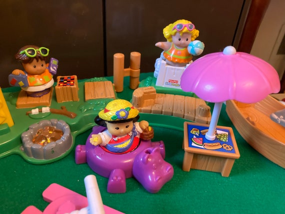10 Piece Fisher Price Little People's Tent and Beach Set - 2004