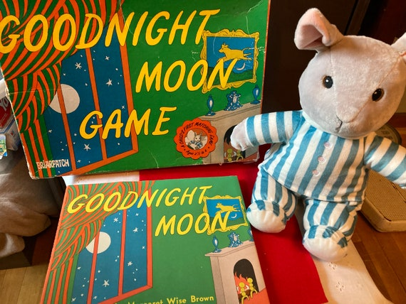 Good Night Moon Game 1998 - A Child's First Matching Game - Two Gifts Included