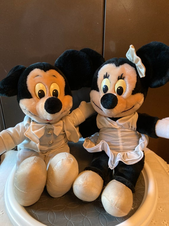 Rare Disneyland, Walt Disney World Mickey and Minnie Dressed for a NIght on the Town - Mickey and Minnie 1987 Characters