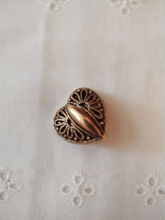 Set of 6 - Vintage Heart Button