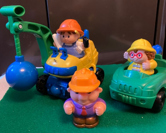 Fisher Price Construction Vehicles with 3 LIttle People Plastic Characters
