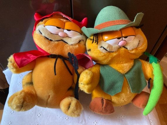 """Vintage 1981 Dakin Garfield Furry Tales Jack and the Beanstalk and Vintage Dakin Garfield the Cat 6"""" Devil"""