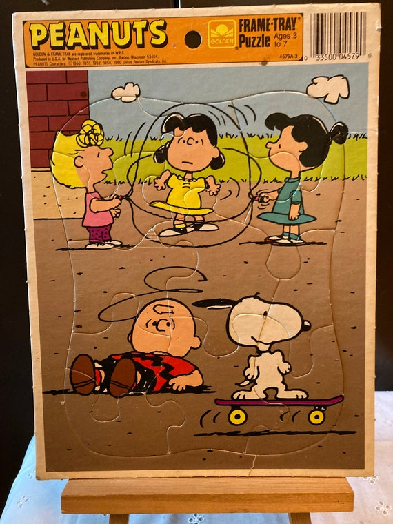 Peanuts Golden Frame Tray puzzle - jump rope Featuring the Peanuts Gang 1960's Vintage Puzzle