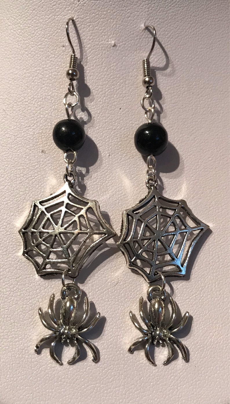 Handmade XMAS GIFT Goth Gothic Spooky Tibetan Silver Spider SPIDERS WEB EARRINGS