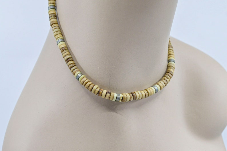 Womens beaded necklace