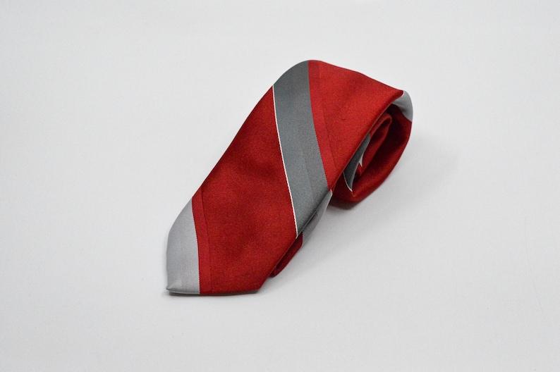 Austin Manor red and grey tone mens necktie