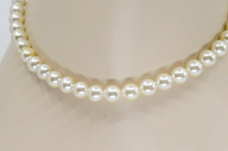 Faux pearls womens beaded necklace