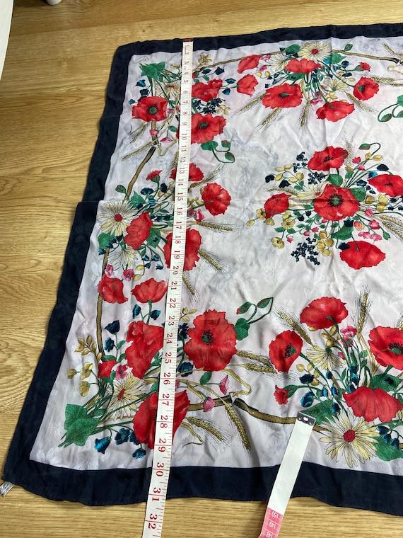 Vintage Gucci Floral Pattern Large Silk Scarf Squ… - image 6