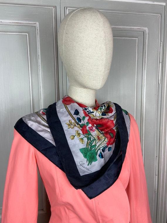 Vintage Gucci Floral Pattern Large Silk Scarf Squ… - image 2