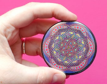 Going dotty - Large Magnet - Celtic Knot