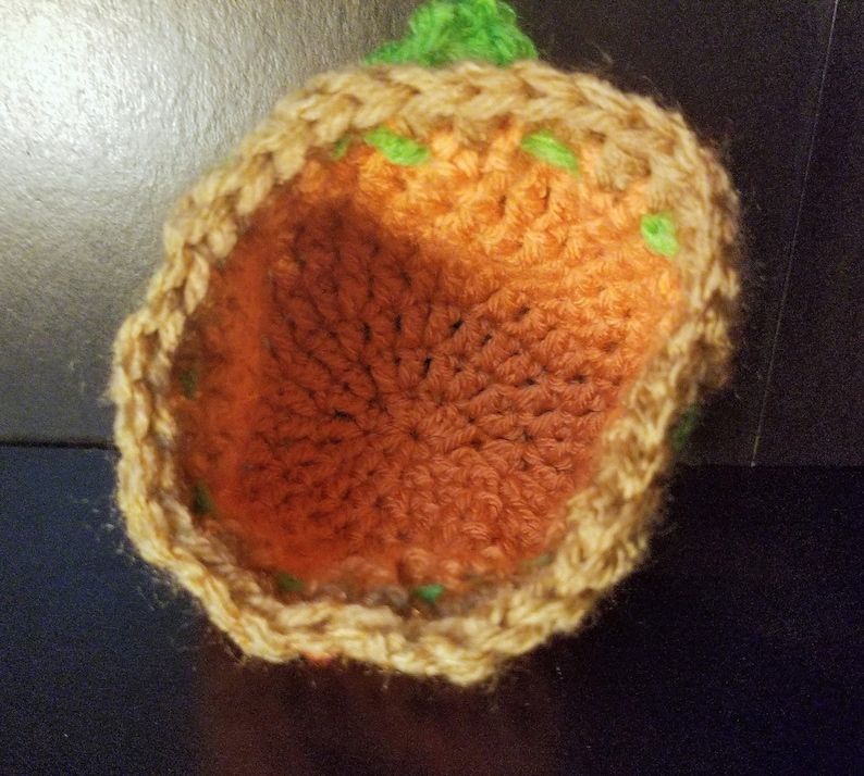 Crochet pumpkin pouch