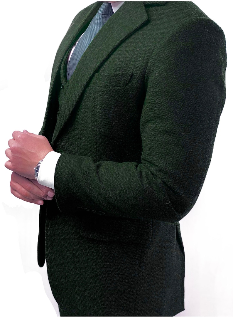 Men's Vintage Clothing | Retro Clothing for Men     Read the full title    Green Herringbone 3 Piece Tweed Suit  AT vintagedancer.com