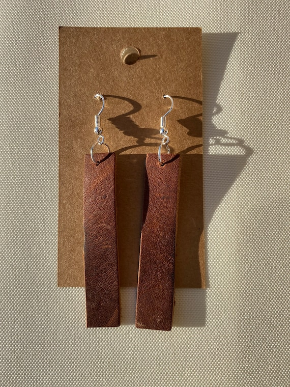 Dark Chocolate Brown Western Embossed Antique Brass E162 Bar Leather Earrings