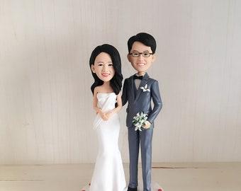 Handmade custom wedding cake topper wedding bobble head custom Personality Sculpture of Bride and Groom Polymer Doll Wedding Decoration