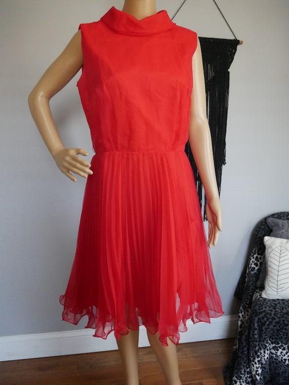 True Vintage 1960s Red Mod Pleated Dress Sleeveles