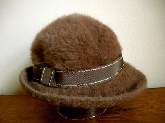 Vintage KANGOL Angora Bucket Cloche Hat Made in En
