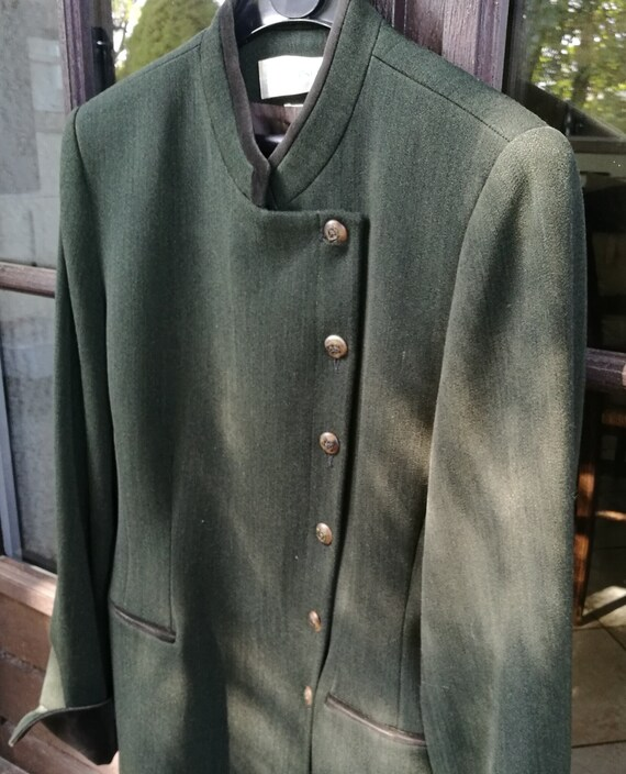 jacket supported asymmetrical buttoning
