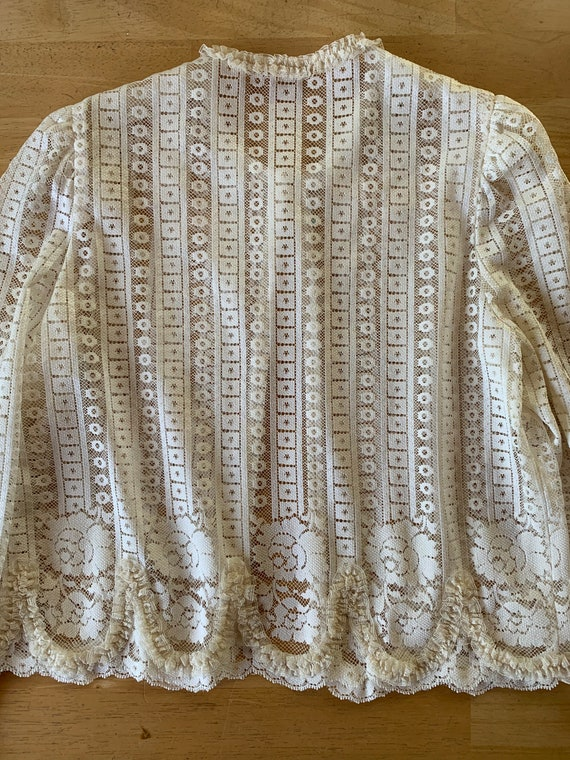 Vintage Lace Bolero Jacket  60s 70s  Frilly Edges  Long Sleeve  Button at Collar  Puffy Shoulders  Creme White  Size Sm  Bridal