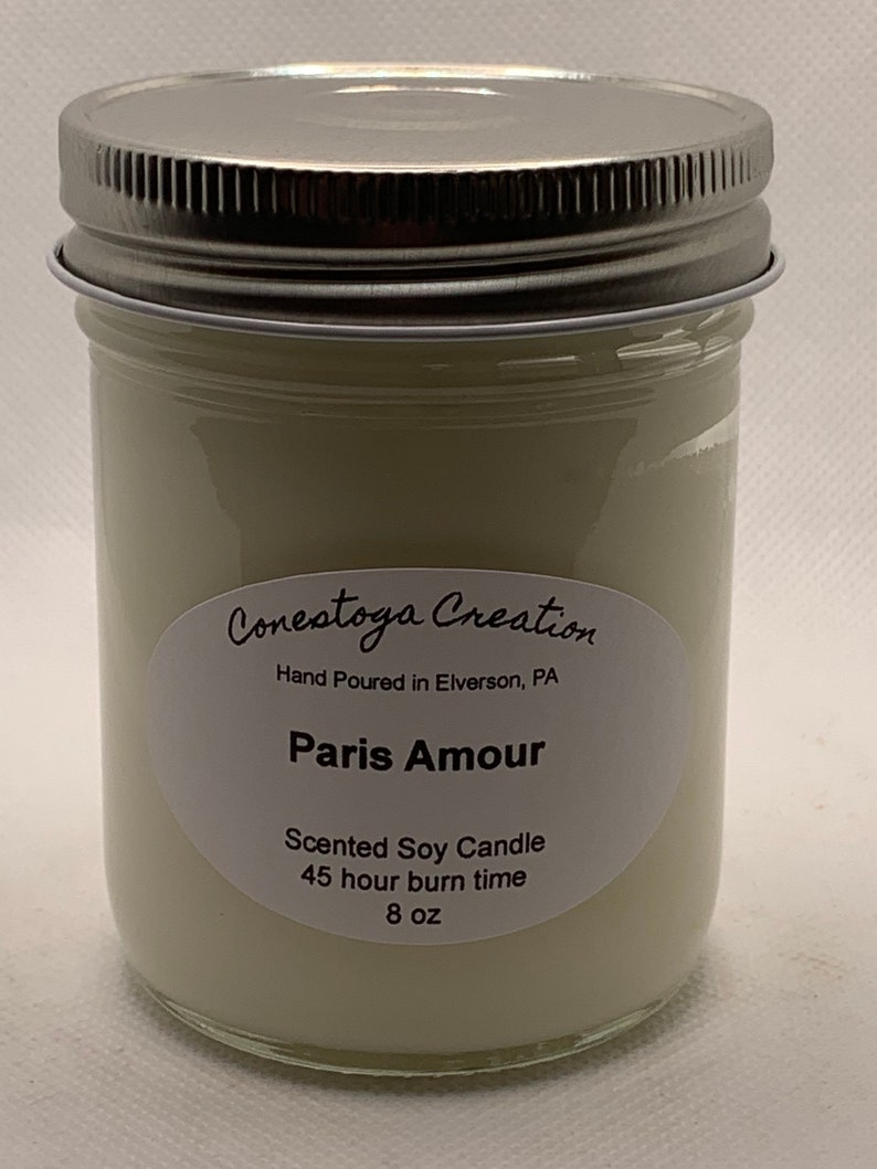 Paris Amour Scented Candle