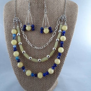 Evergreen Agate Pebble /& Holly Berry Lariat w Earrings