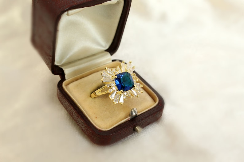 gift for her something blue vintage rings vintage inspired Vintage Style Sapphire cluster ring gold sapphire ring SZ US 6.75-7 gold rings