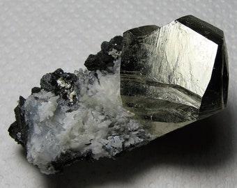 Natural crystal Incredible natural quartz from the famous 9th of September mine Bulgaria Madan N589 Mineral Top condition