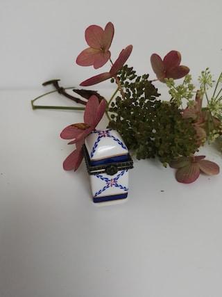 Porcelain pill box - porcelain art