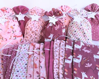 Advent calendar bags with white stars, optionally with wooden stars, advent calendar bags, pink deer