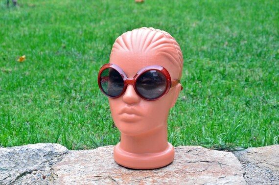 Sunglasses, Red sunglasses, Retro sunglasses, Vin… - image 1