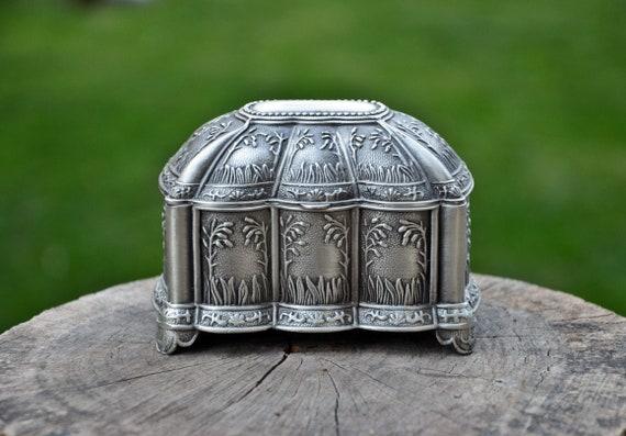 Jewelry Box,  Vintage Box, Metal Jewelry Box, Vint