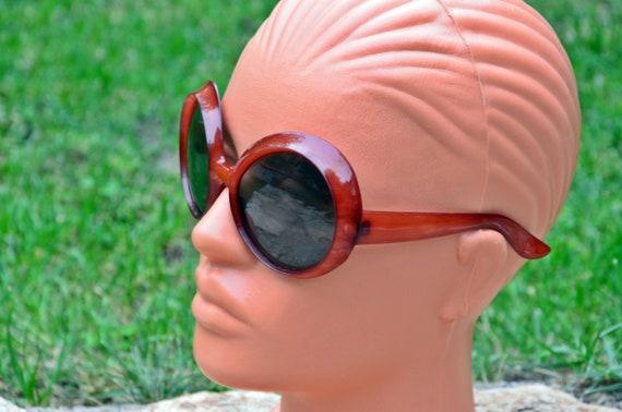 Sunglasses, Red sunglasses, Retro sunglasses, Vin… - image 3