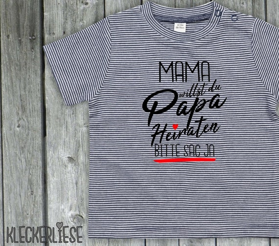 """kleckerliese strip Baby Shirt """"Mama want you to marry Dad Please say yes"""" Color Blue/White"""