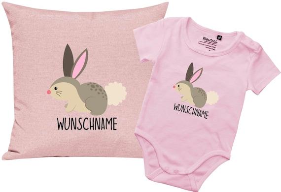 """kleckerliese Geschenkset Geburt Kissen Body mit Tiermotiv """"Hase"""" Fair Wear mit Kissenfüllung"""