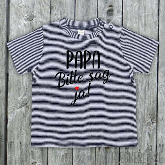 """kleckerliese strip Baby Shirt Please say yes! """"Dad you want to marry Mom"""" Color Blue/White"""