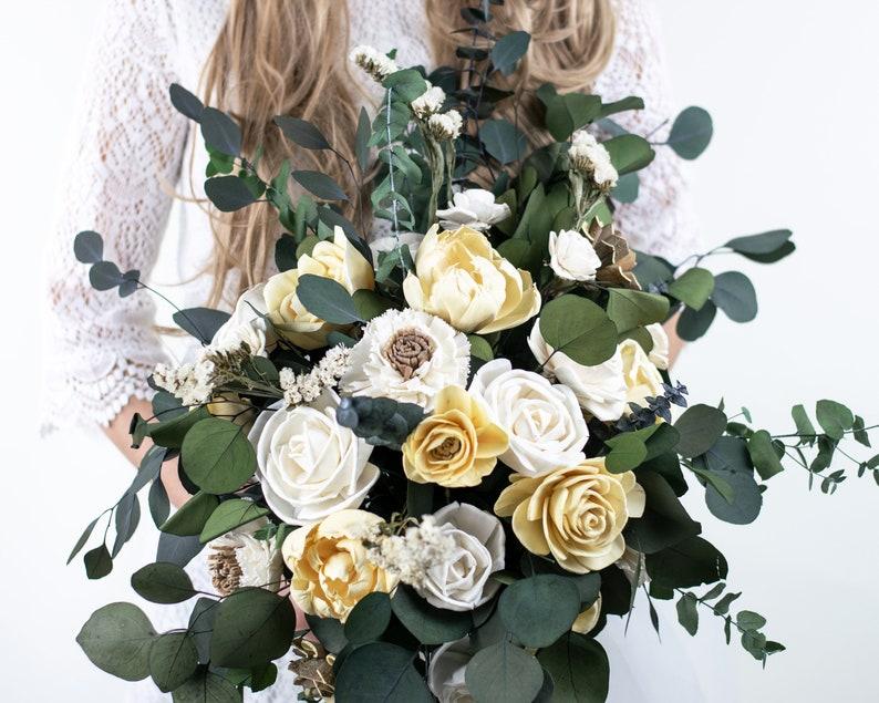 XL Boho Brautstrauß in zartem gelb und elfenbein