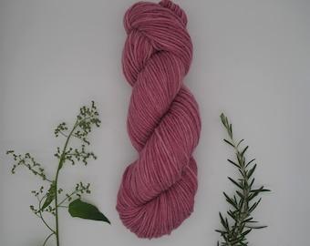 "Sockyarn - Classic Sock DK ""Peony"" 100g - naturally dyed, organic wool, non-superwash, plastic free"