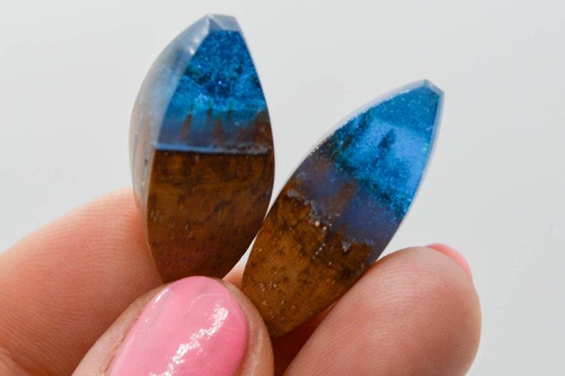 Gifts Blue Resin Earrings Unique Pendant Handmade Wooden Resin JewelleryJewelry Set that Glows Drop Resin Earrings Wood Resin Pendant
