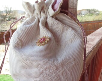 Hand Knitted Tulip Flower Pouch Small Lace Knit Bag Knit Lady Purse Little Things Cotton Silk pouch Jewelry /& Travel Vintage Style Pouch