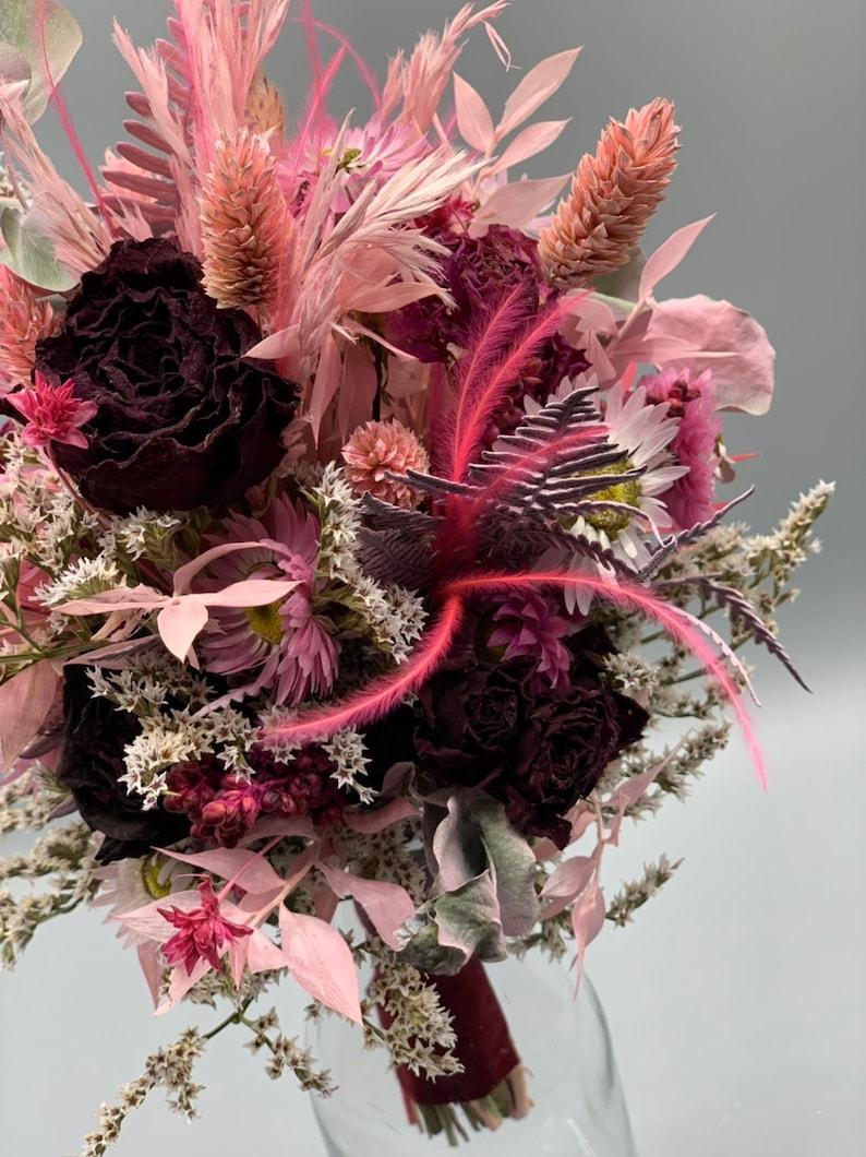 Brautstrauß aus Trockenblumen | rot, rosa, pink