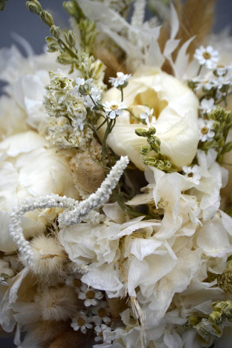 Brautstrauß Set mit Anstecker, Haarkranz & Blumenkranz