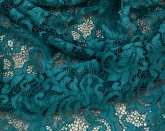 1 MTR PAISLEY GREEN CORDED SLIGHT STRETCH LACE £2.50 SPECIAL OFFER