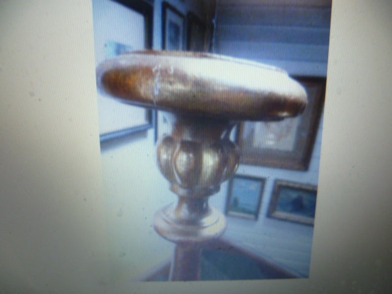 Altar chandelier1840 Wood gilded on l\u00f6wentatzen standing Switzerland height with thorn:70 cm gold frame on red chalk base